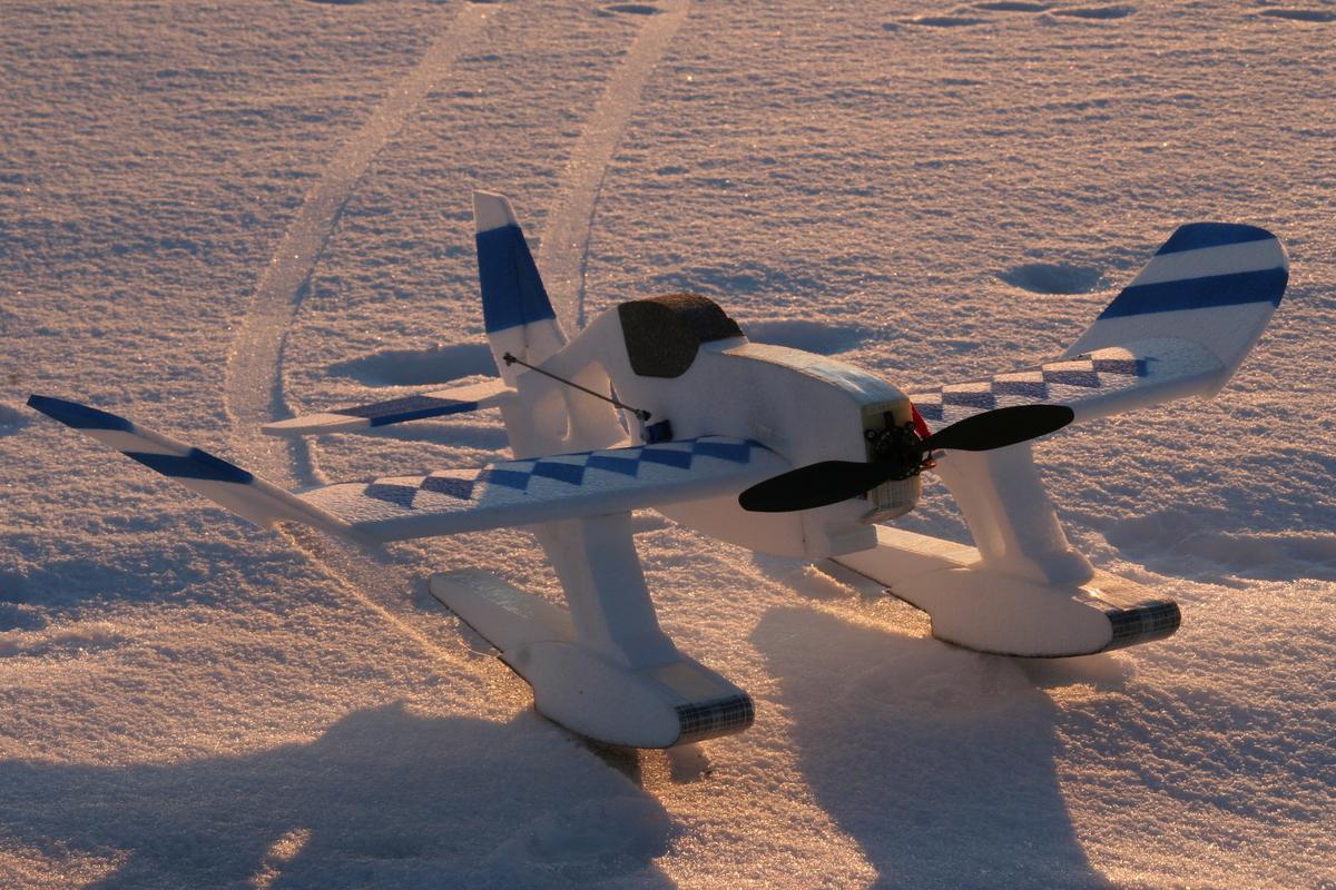 Art Learned Foto Aufgeklebt 2 Flugzeuge Im Schnee Mit Kufen